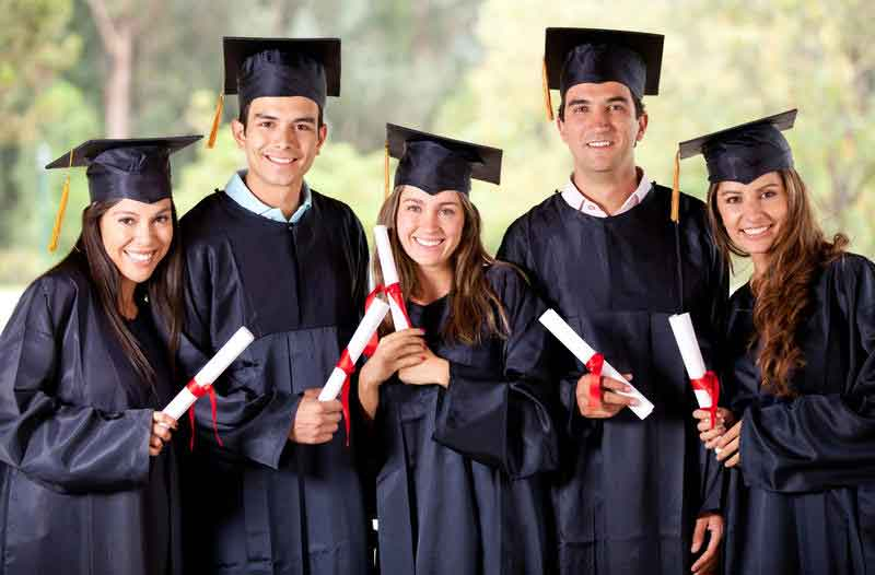 5 Tips to Make College Scholarships Your Summer Focus